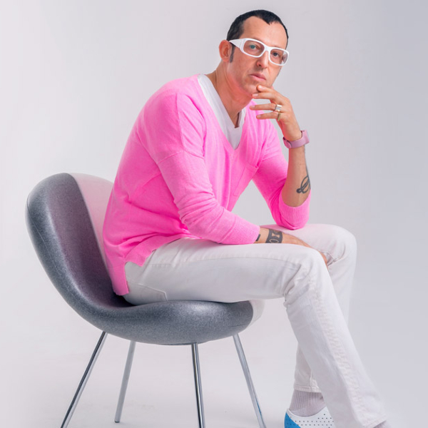 karim rashid Karim Rashid: An Eccentric Chair Collection Karim Rashid An Excentric Chair Collection 10