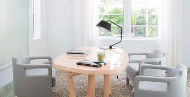 Yabu Pushelberg Amazingly Elegant Chair Design yabu pushelberg Yabu Pushelberg Amazingly Elegant Chair Design Yabu Pushelberg Amazingly Elegant Chair Design 370x190