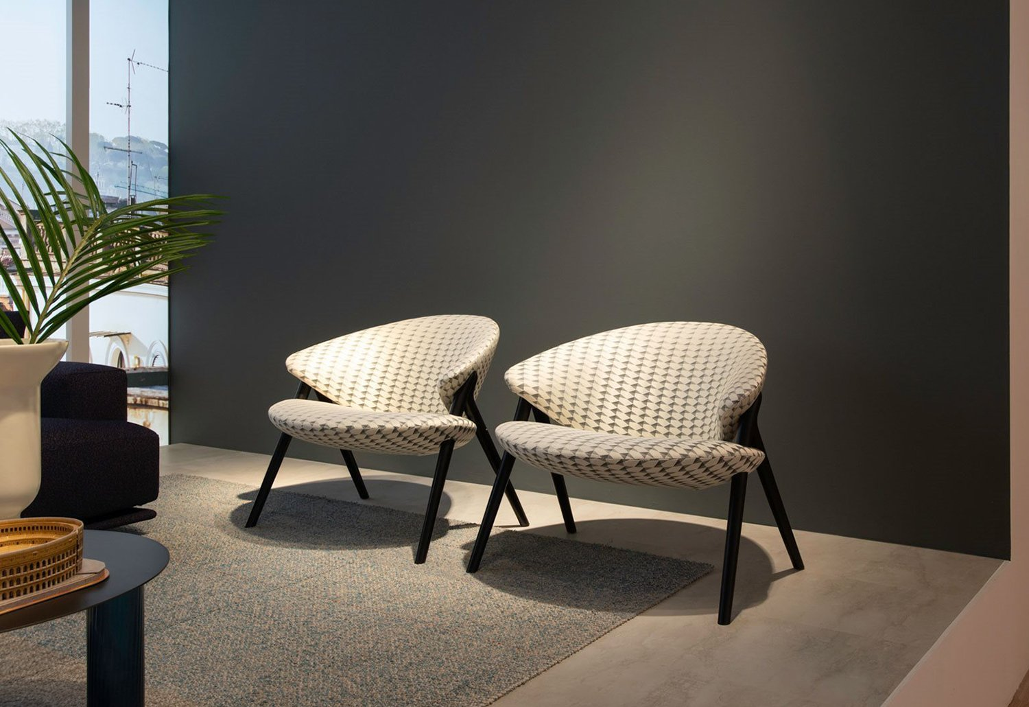 Hotel Lobbies and Waiting Spaces: A List Of 20 Modern Armchairs  modern armchairs Hotel Lobbies And Waiting Spaces: A List Of 20 Modern Armchairs Hotel Lobbies and Waiting Spaces A List Of 20 Modern Armchairs 16