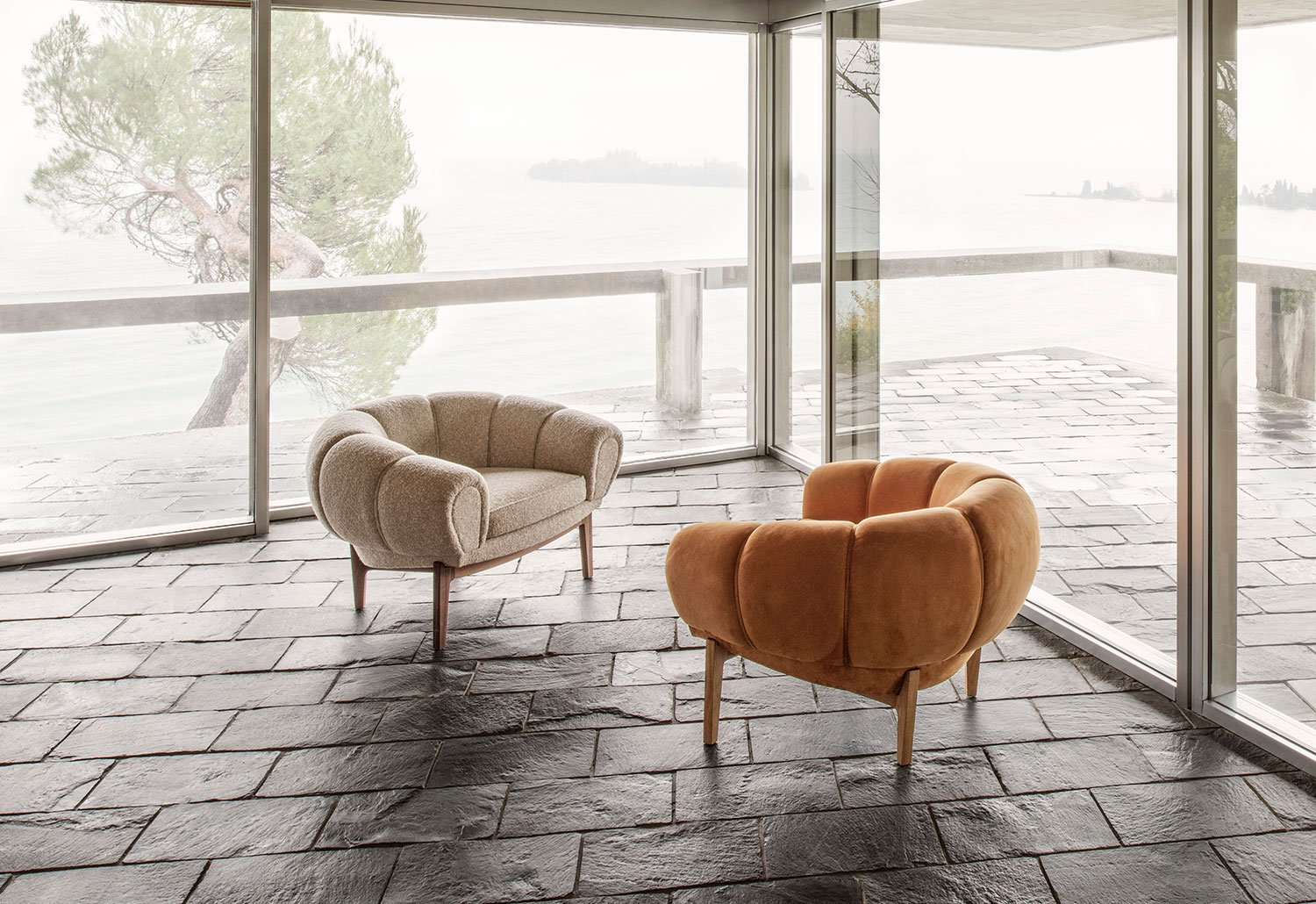 Hotel Lobbies and Waiting Spaces: A List Of 20 Modern Armchairs  modern armchairs Hotel Lobbies And Waiting Spaces: A List Of 20 Modern Armchairs Hotel Lobbies and Waiting Spaces A List Of 20 Modern Armchairs 4